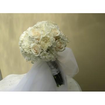 Bouquet de claveles y rosas